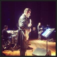 Marco Serra, batteria; Ezio Rossi, basso.